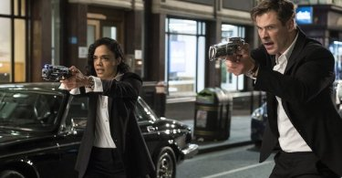 Chris Hemsworth Tessa Thompson Men In Black International