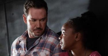 Mark-Paul Gosselaar Saniyya Sidney The Passage