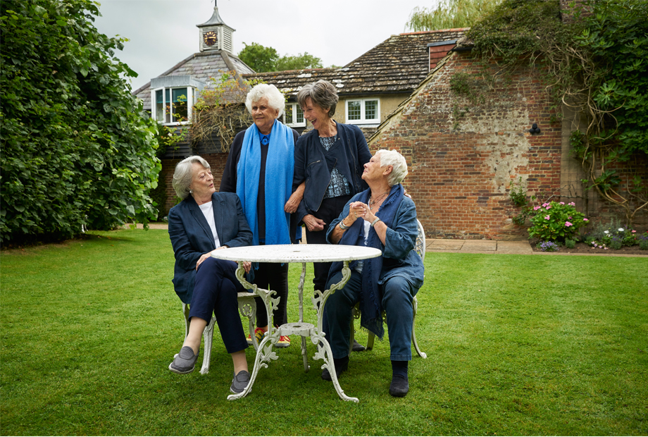 Maggie Smith, Judi Dench, Joan Plowright and Aileen Atkins in Tea with the Dames