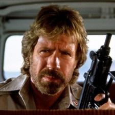 DELTA FORCE. Chuck Norris i kopniak z półobrotu