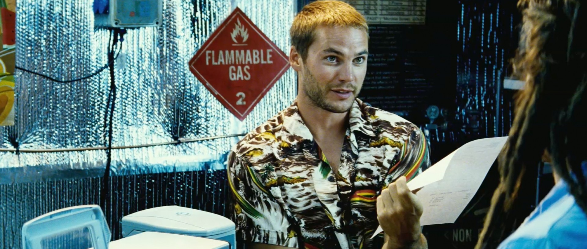 taylor-kitsch-as-chon-in-savages-2012
