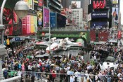Times-Square-LEGO-X-Wing4