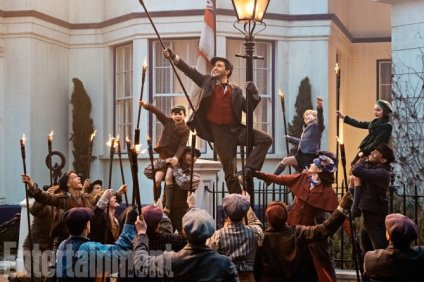 MARY POPPINS RETURNS - Entertainment Weekley_03