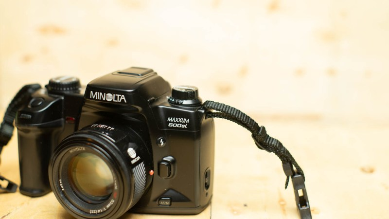 The Minolta Maxxum 600si: I Want to Like This Camera