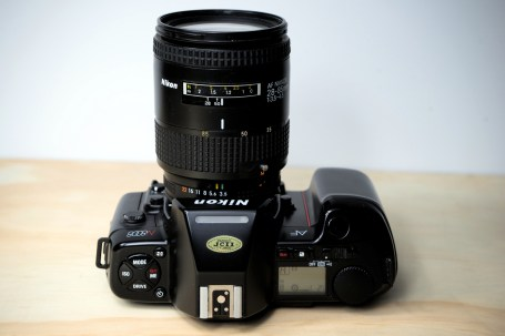 Nikon N8008