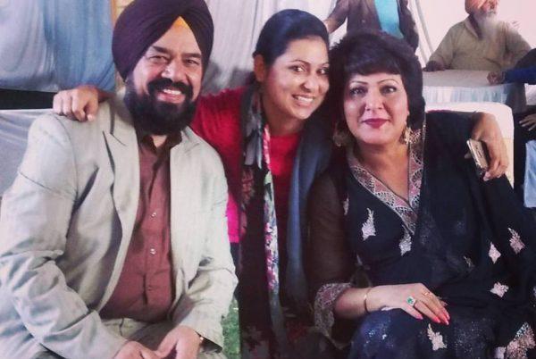 Along with actor BN Sharma and Navneet Nishan on the sets of Mera Maahi NRI