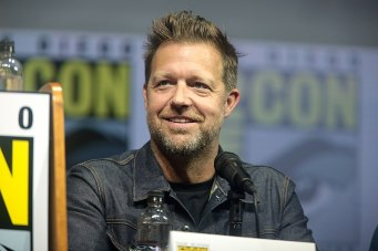 """David Leitch speaking at the 2018 San Diego Comic Con International, for """"Deadpool 2"""", at the San Diego Convention Center in San Diego, California. (Credit: Gage Skidmore/Wikimedia Commons)"""