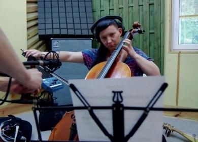 Tworzenie muzyki do Crossroads Inn