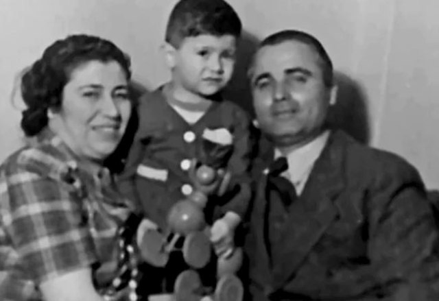 ferdi-özbeğenin-annesi-babası