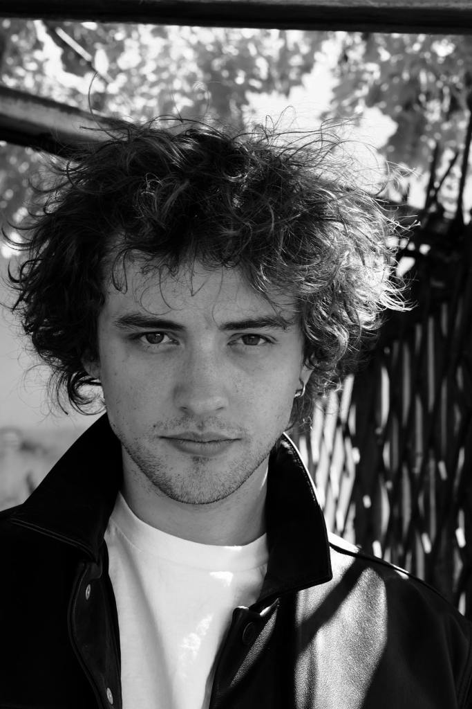 Josh Whitehouse actor
