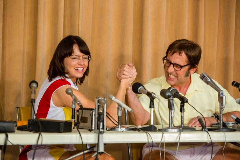 Emma Stone and Steve Carell in the film BATTLE OF THE SEXES. Photo by Melinda Sue Gordon. © 2017 Twentieth Century Fox Film Corporation All Rights Reserved