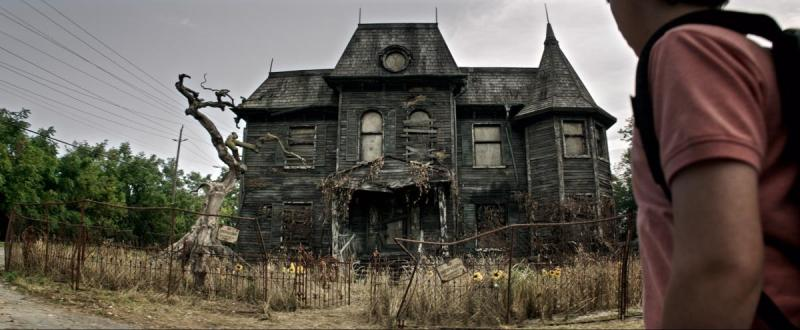 The creepy, old house in It movie