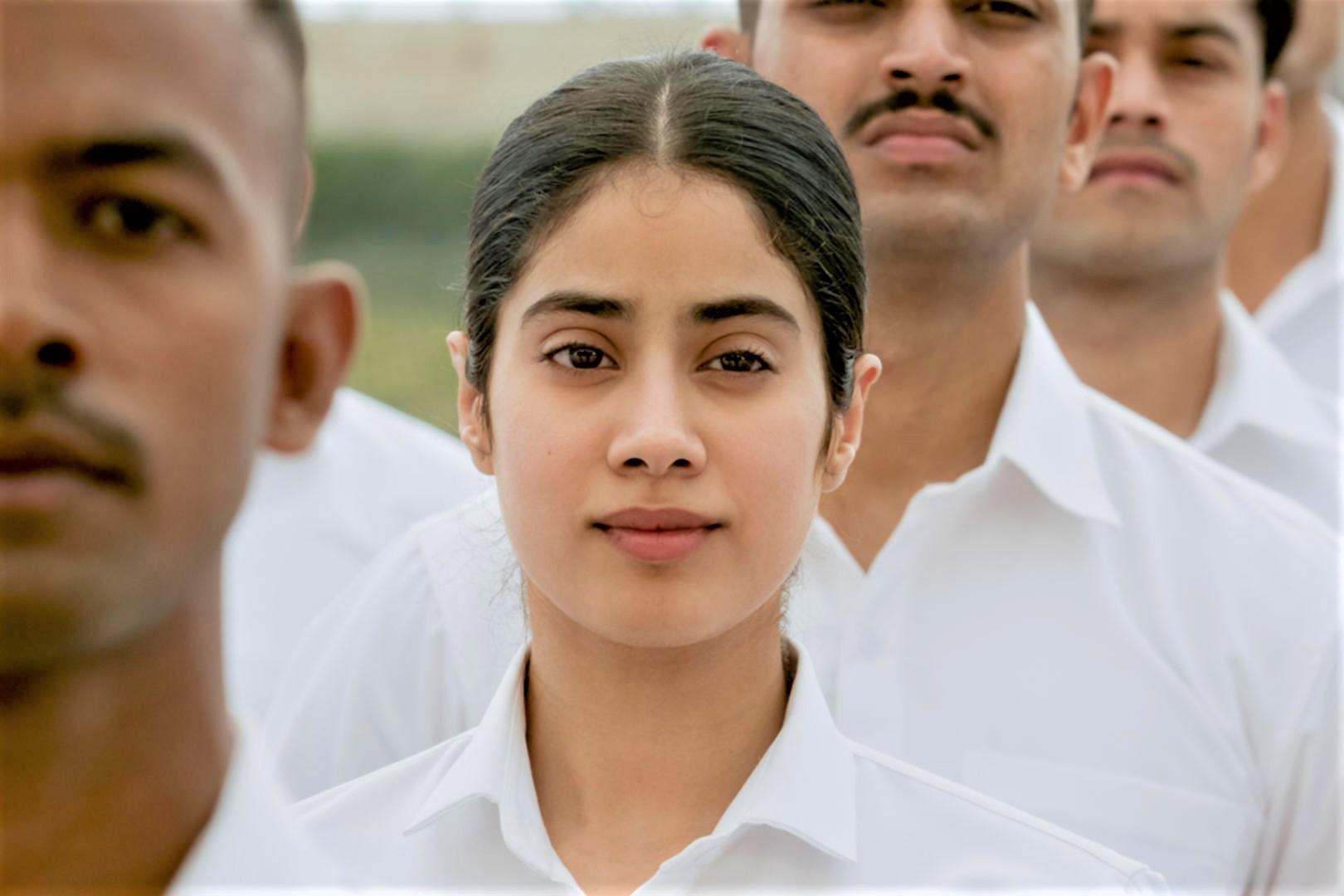 Gunjan Saxena The Kargil Girl Trailer Addresses Passion Patriotism Patriarchy Filme Shilmy