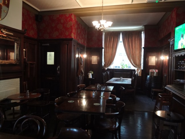The Black Prince Pub from the inside. Photo: © Sonja Irani / filmfantravel.com