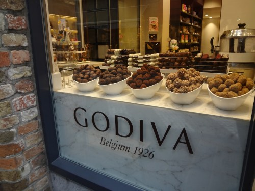 Yummy Belgian chocolate in Bruges. © Sonja Irani / filmfantravel.com