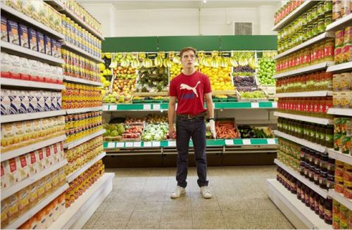 Martin in a West German supermarket Photo: © RTL / Laura Deschner