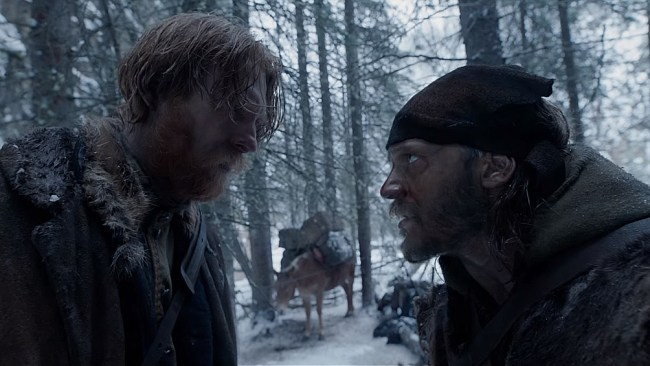 "Fitzgerald and Captain Henry argue in ""The Revenant"". © Twentieth Century Fox Film Corporation"