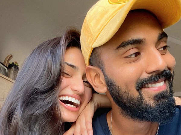 Athiya Shetty finally confirms her relationship with KL Rahul