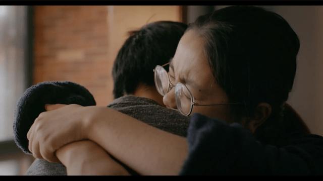 Wuhan Wuhan 1 -Driver _ Wife Hug
