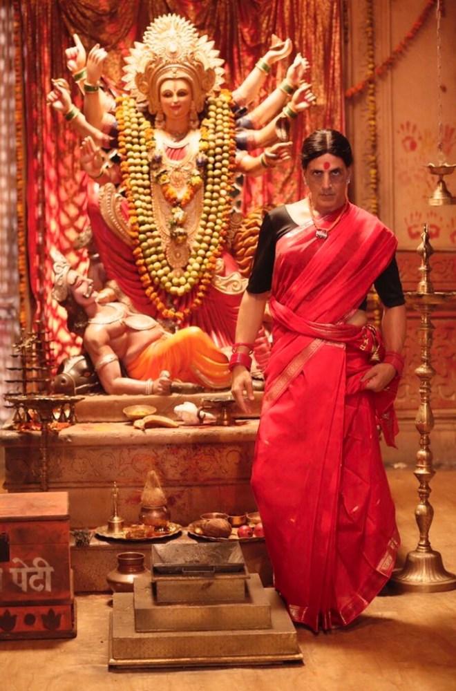Laxmmi Bomb: Akshay Kumar's transgender look is fierce