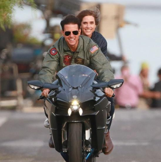 It's Tom Cruise vs Gravity in the second trailer of Top Gun: Maverick