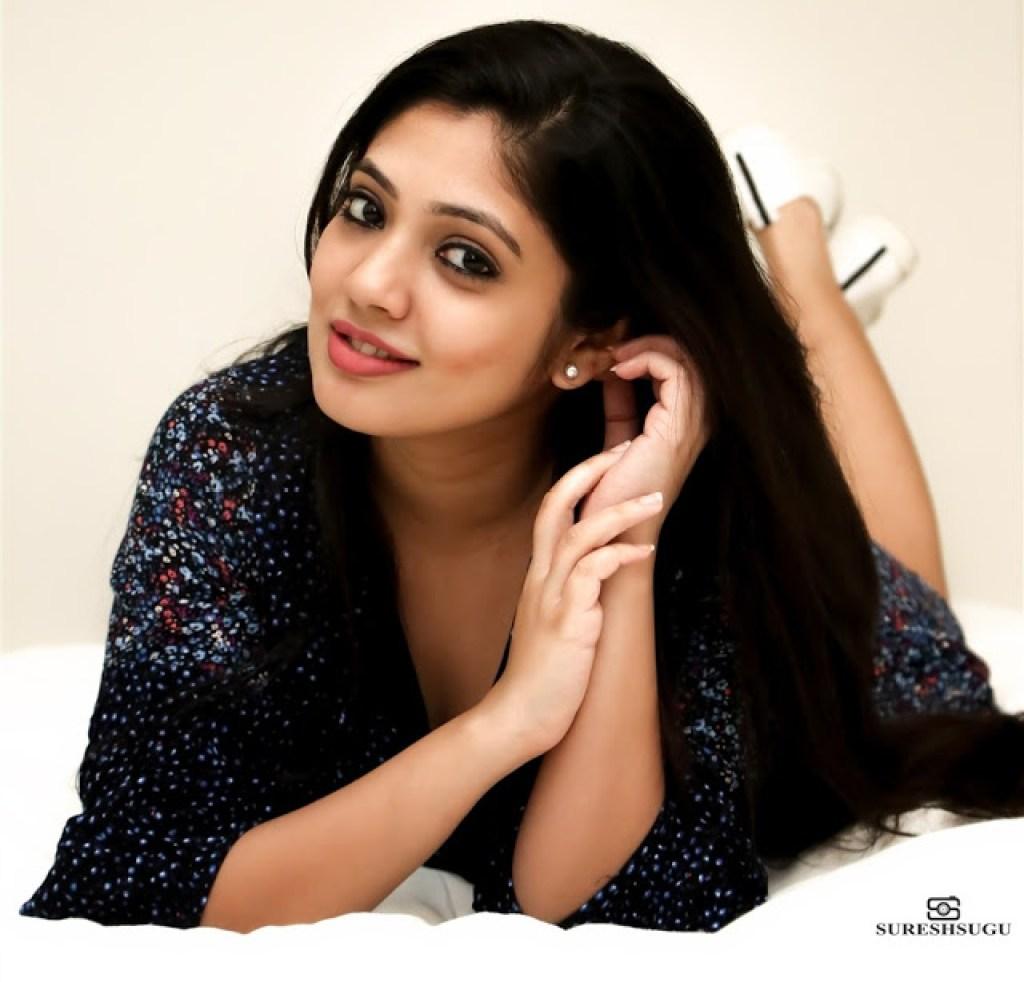 76+ Gorgeous Photos of Veena Nandakumar 58