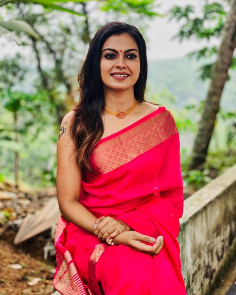 Check out this 89+ HD Photos of Anusree 151