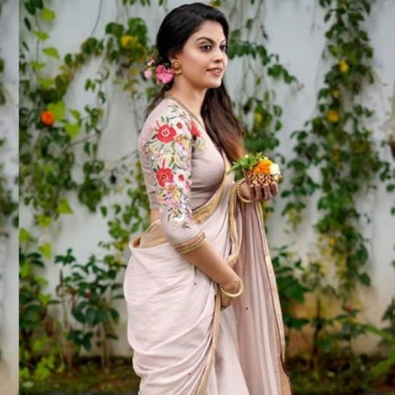 Check out this 89+ HD Photos of Anusree 158