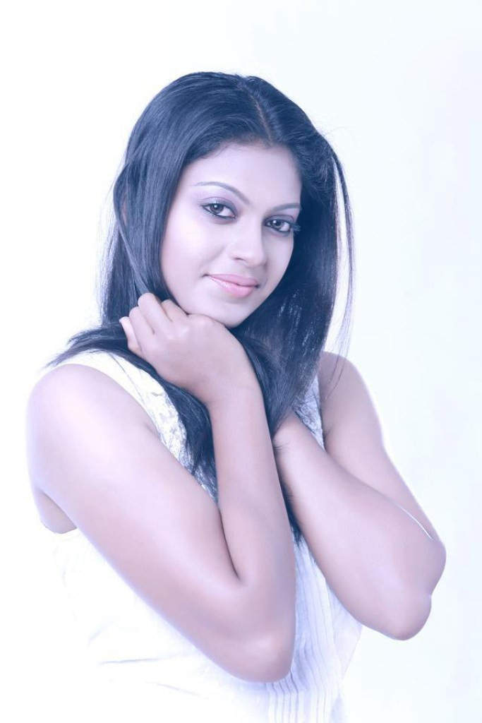 Check out this 89+ HD Photos of Anusree 159