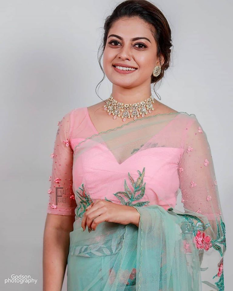 Check out this 89+ HD Photos of Anusree 1
