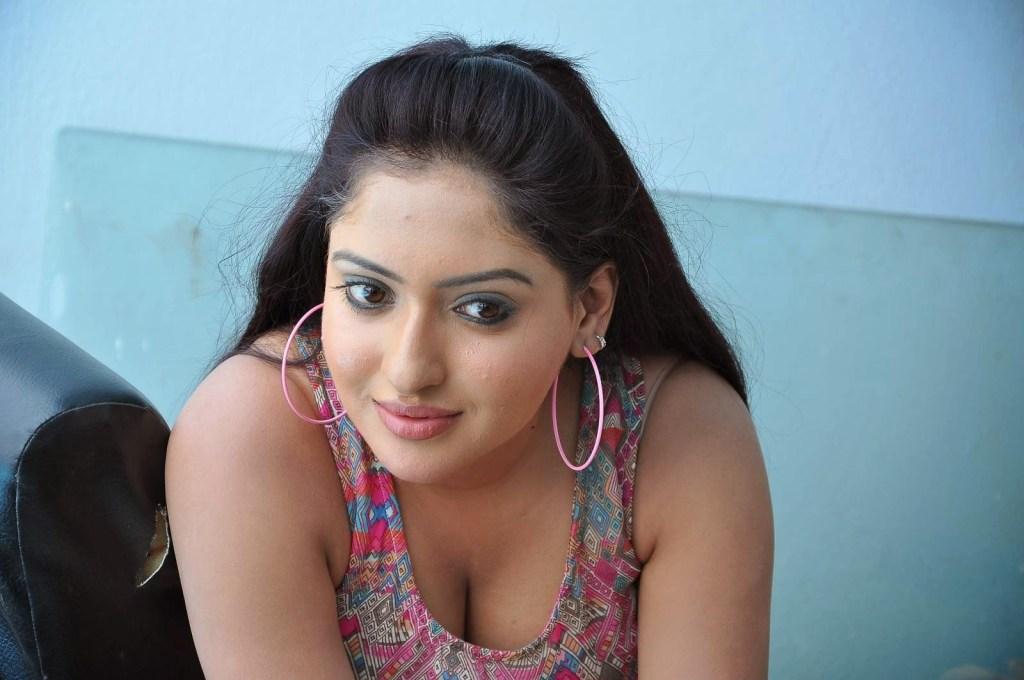 21+ Lovely Photos of Anjana Deshpande 1