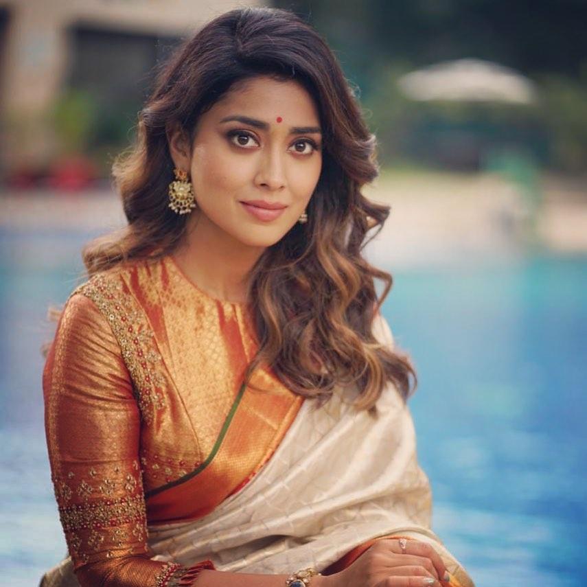 69+ Gorgeous Photos of Shriya Saran 9