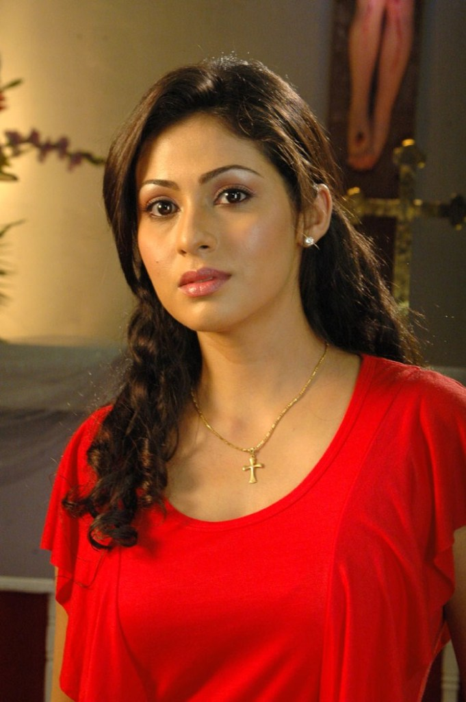 44+ Lovely Photos of Sadha 6