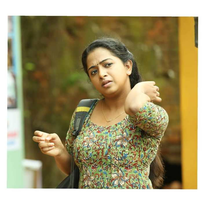 Sneha Babu Wiki, Biography, Age, Boyfriend, Movies, webseries and Beautiful Photos 15