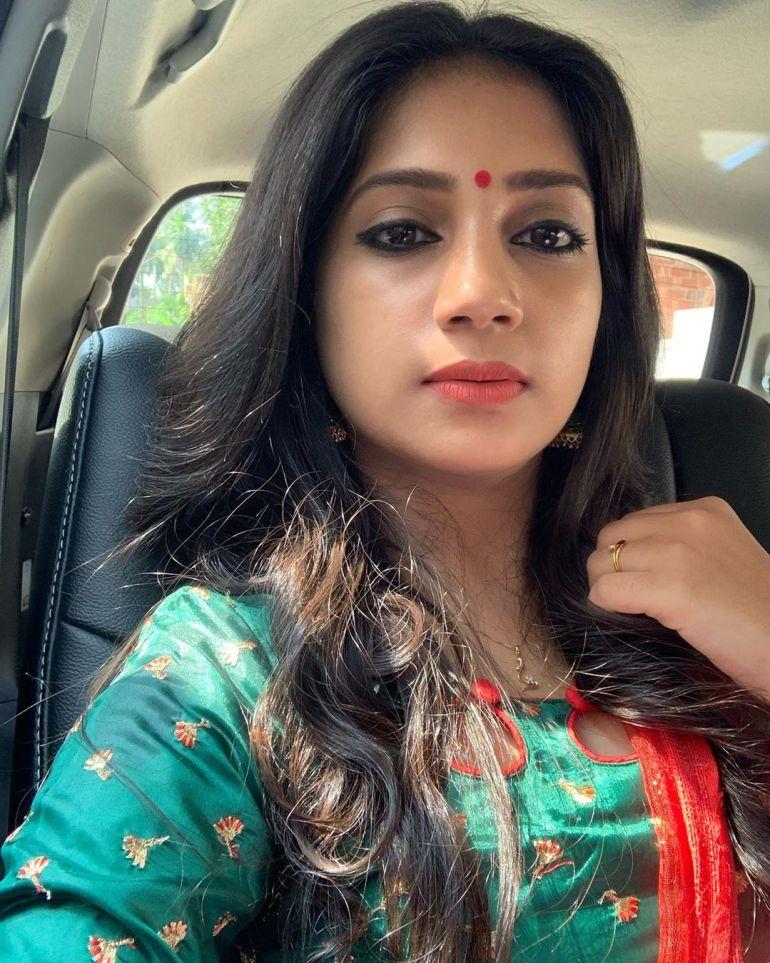 20+ Beautiful Photos of Gopika Anil 10