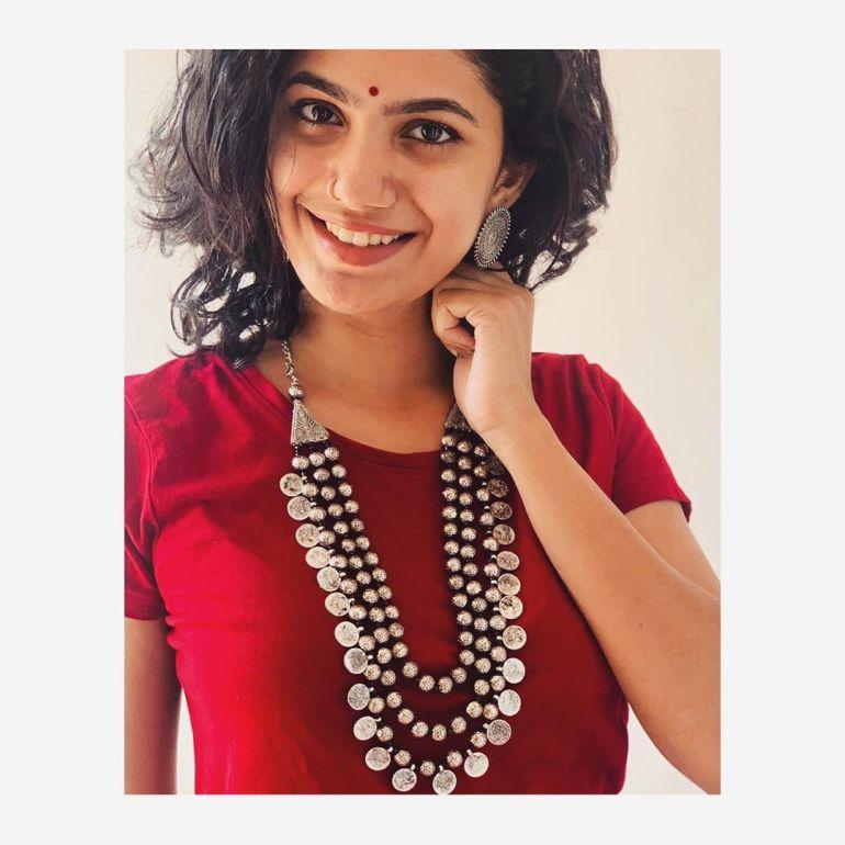Deepa Thomas Gorgeous Photos, Biography, Wiki, Husband, Family, Instagram 86
