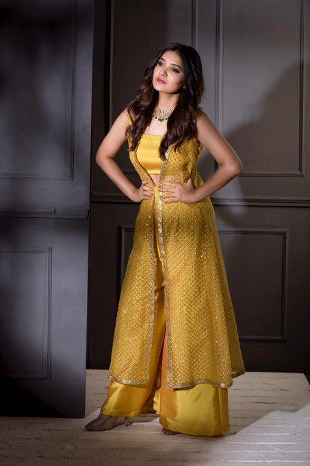 42 HD Beautiful Photos of Vani Bhojan 101
