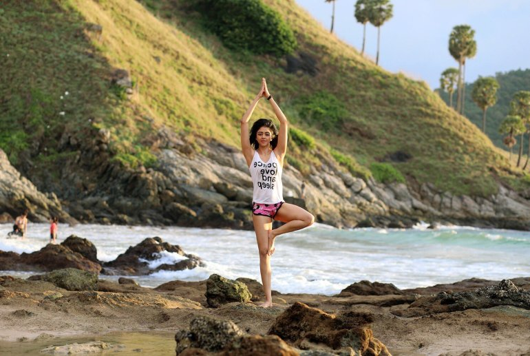 38+ Glamorous Photos of Sapna Vyas Patel 93