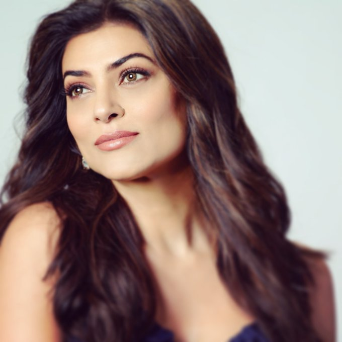 24+ Stunning Photos of Sushmita Sen 12