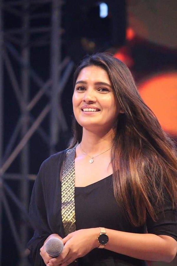42 HD Beautiful Photos of Vani Bhojan 117