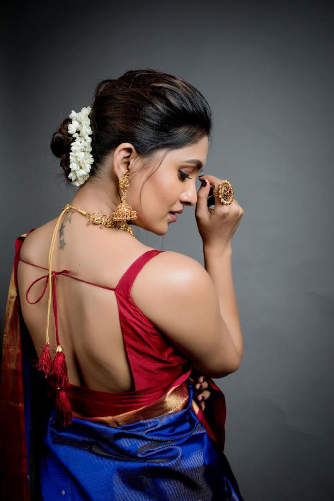 42 HD Beautiful Photos of Vani Bhojan 111