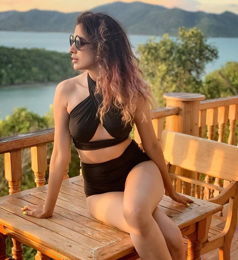 46+ HD Photos of Rai Lakshmi 100