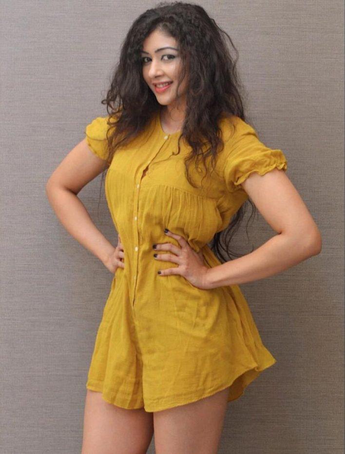 38+ Glamorous Photos of Sapna Vyas Patel 34