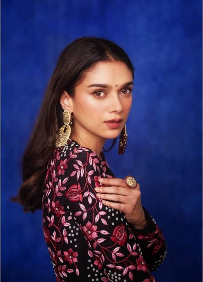 95+ Glamorous Photos of Aditi Rao Hydari 26