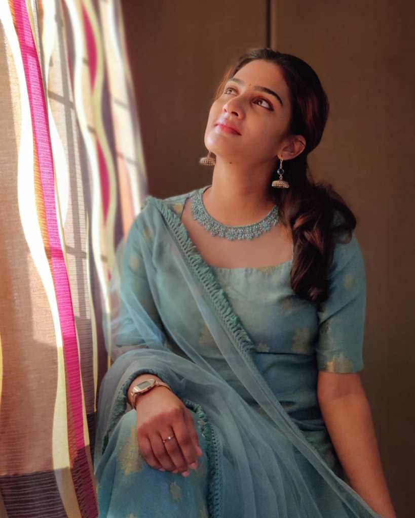 57+ Cute Photos of Aditi Ravi 17