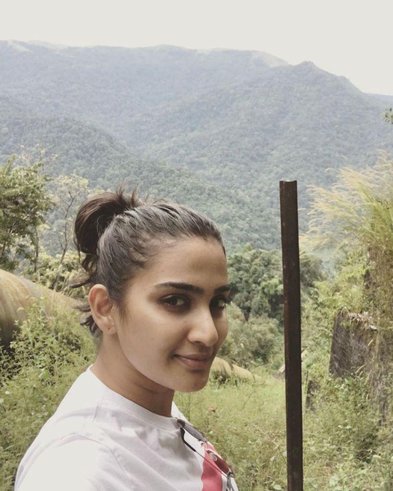 57+ Cute Photos of Aditi Ravi 38