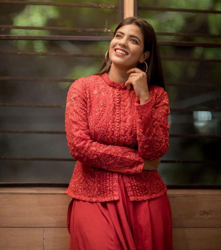 37+ Gorgeous Photos of Aishwarya Rajesh 96