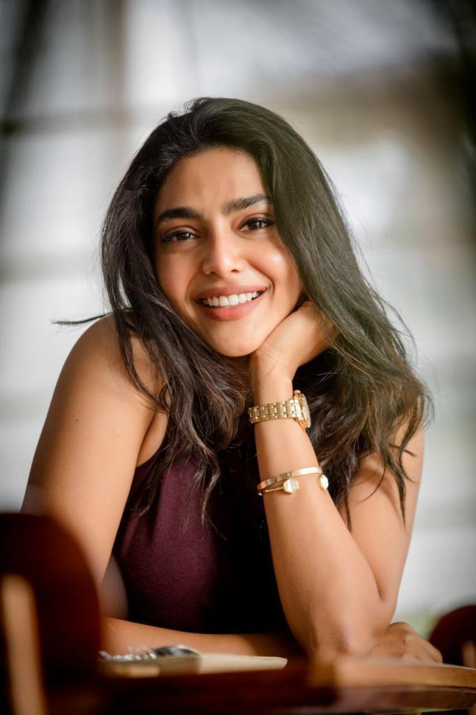 60+ glamorous Photos of Aishwarya Lekshmi 89