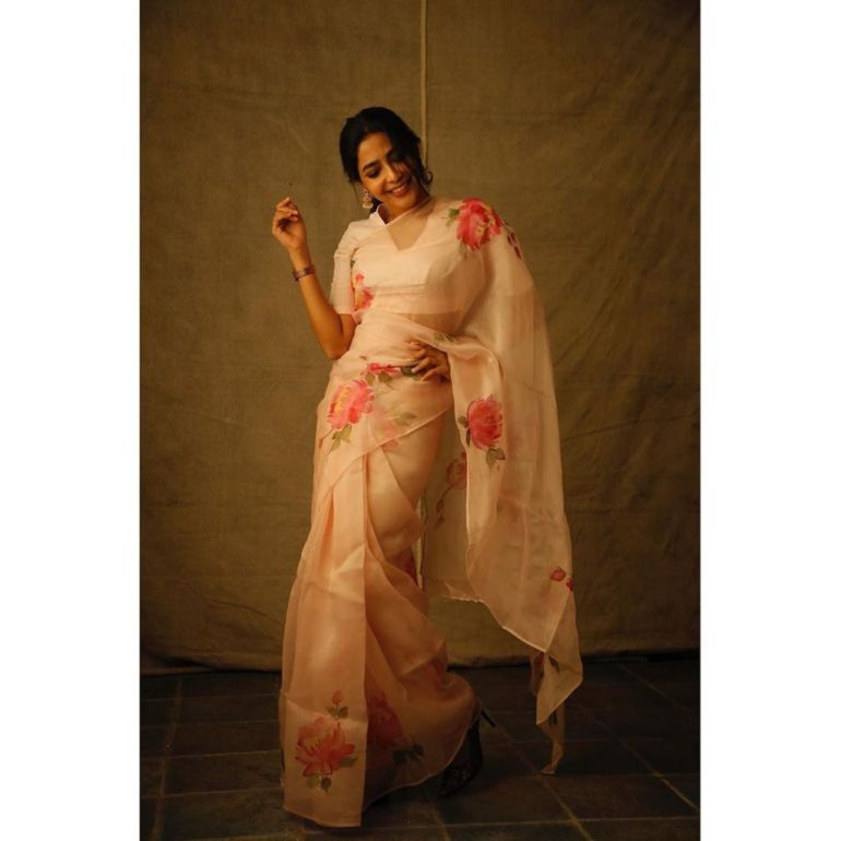 60+ glamorous Photos of Aishwarya Lekshmi 143