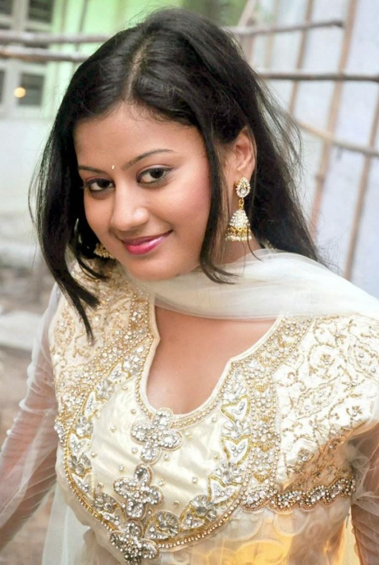 Ansiba Hassan Wiki, Age, Biography, Movies, and Beautiful Photos 29